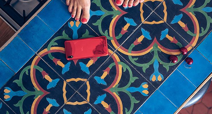 Wiko View2 Go é elegante, com boa performance e acessível – o smarphone ideal para colocar na árvore de Natal